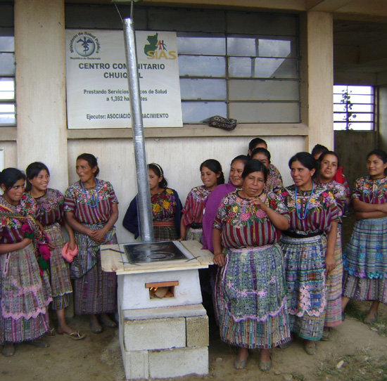 Chuiquel women with safe stove